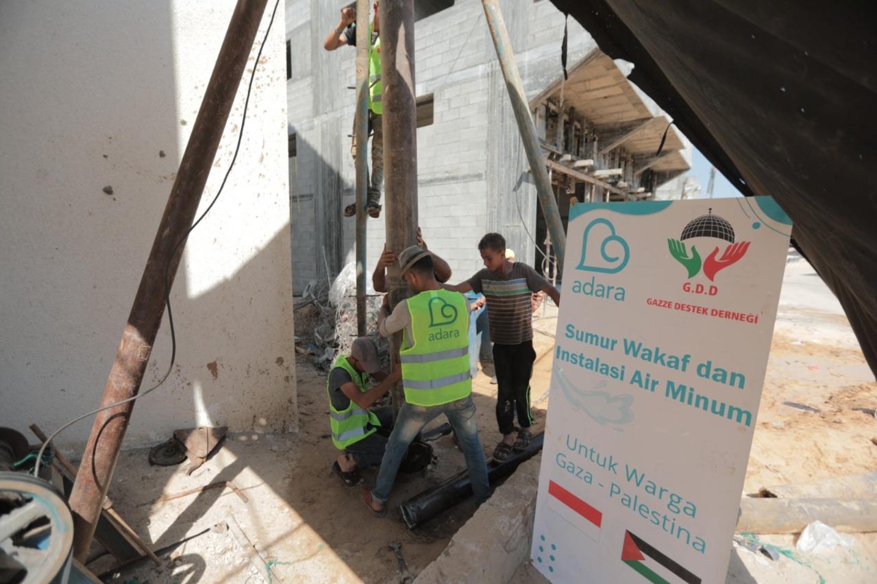 Proses pembuatan sumur Palestina
